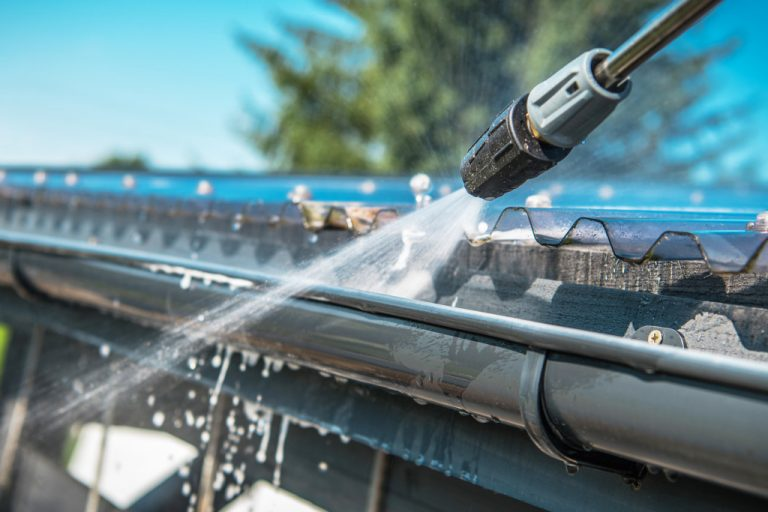 cleaning gutter
